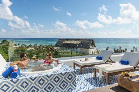 9 Reasons Playa del Carmen is a Honeymoon Hotspot
