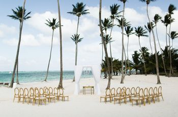 10 Destination Wedding Etiquette Tips You Need To Know