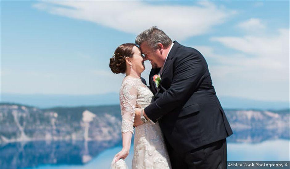 Oregon Wedding | Intimate Oregon Lakefront Wedding Wedding Real Weddings Gallery By