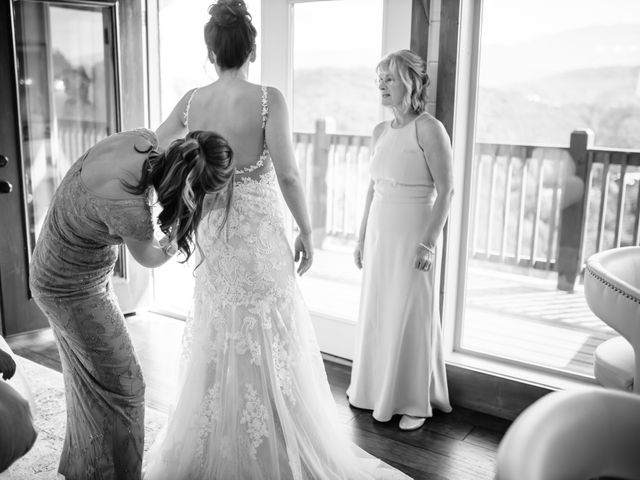 Aubrey and Laura's Wedding in Pigeon Forge, Tennessee 8