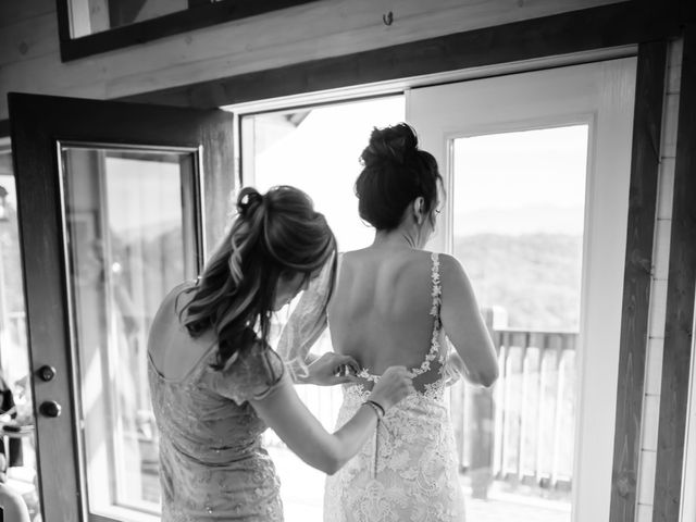 Aubrey and Laura's Wedding in Pigeon Forge, Tennessee 9