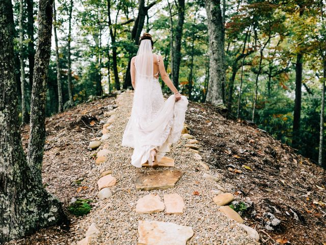 Aubrey and Laura's Wedding in Pigeon Forge, Tennessee 13