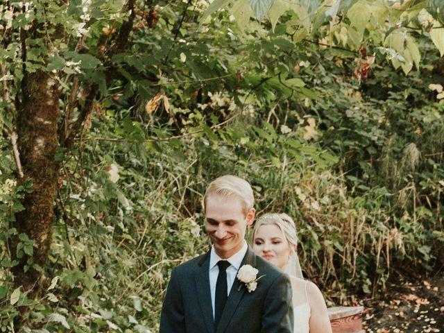 Josh and Hannah's Wedding in Oregon City, Oregon 3
