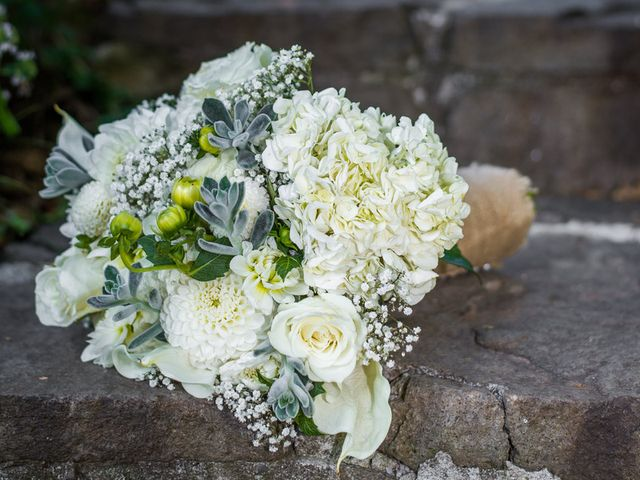 Annie and Benjamin's Wedding in Bridal Veil, Oregon 2
