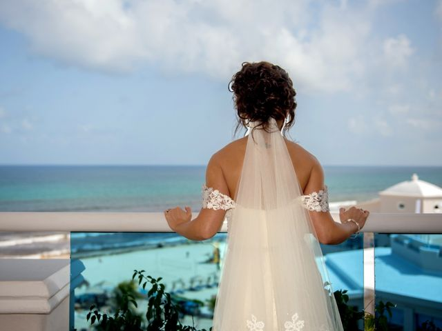 Alex and Maribel's Wedding in Cancun, Mexico 15