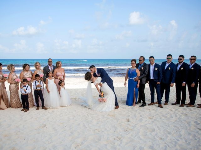 Alex and Maribel's Wedding in Cancun, Mexico 31