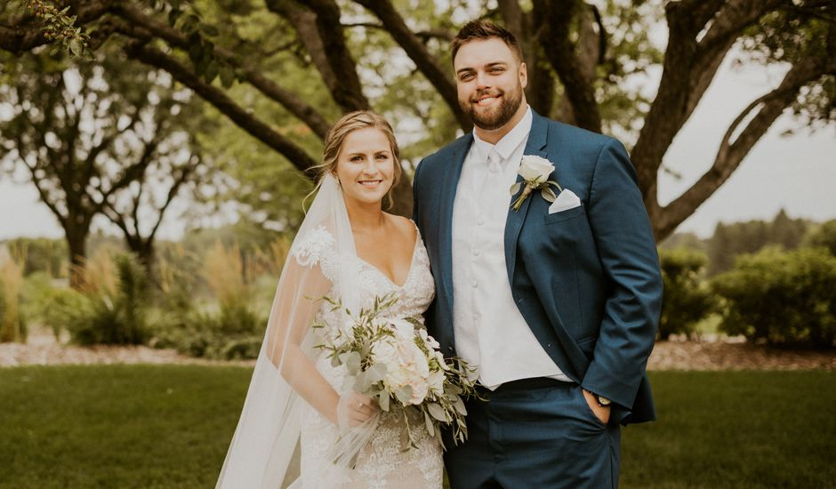 Connor and Abbey 's Wedding in Lakeville, Minnesota