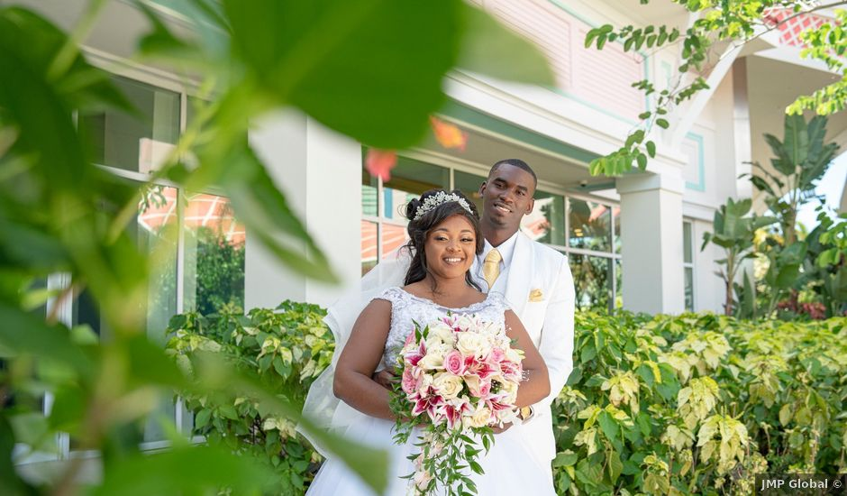 Shakera and Deandre's Wedding in Nassau, Bahamas