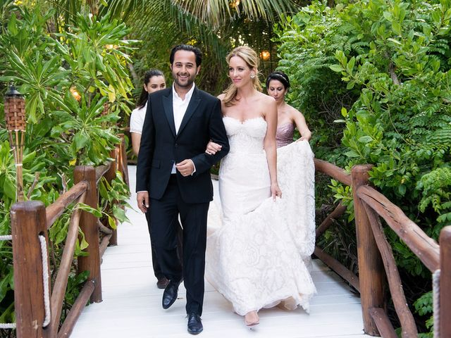 Michelle and Vincent's wedding in Mexico 23