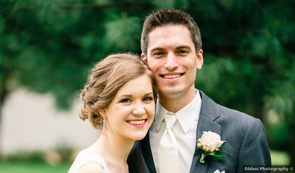 Hollyn and Doug's wedding in Missouri