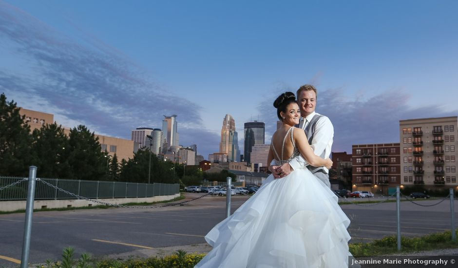 Travis and Courtney's Wedding in Minneapolis, Minnesota