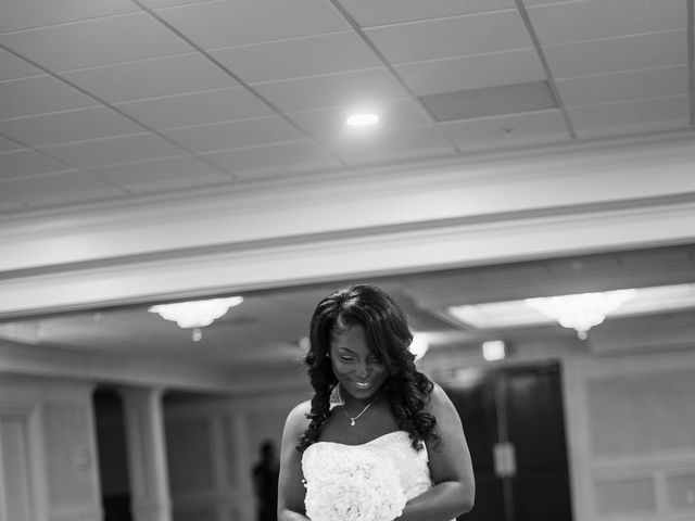 Kierra Savage and Robert's Wedding in Detroit, Michigan 7