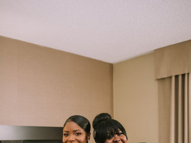 Kierra Savage and Robert's Wedding in Detroit, Michigan 12