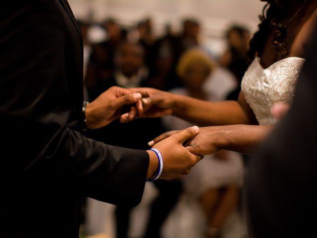Kierra Savage and Robert's Wedding in Detroit, Michigan 18