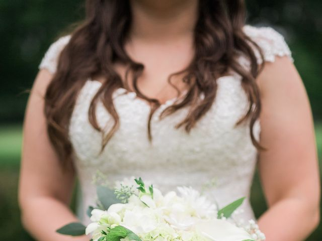 Stephanie and Robert's Wedding in Green Bay, Wisconsin 5