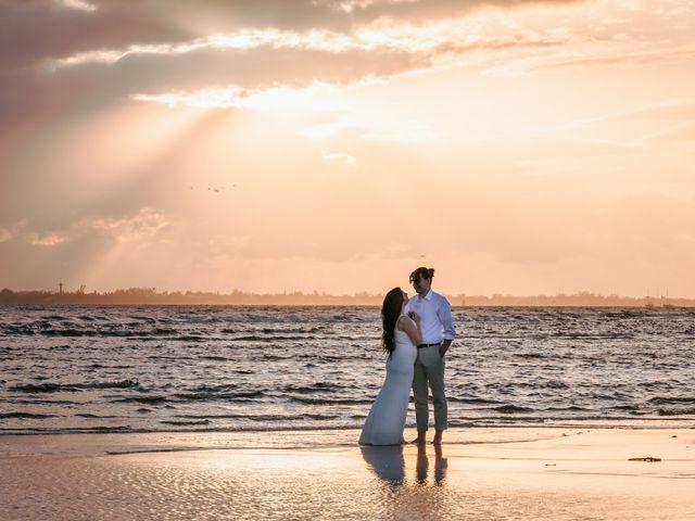 Heather and Kurt's Wedding in Fort Myers Beach, Florida 19