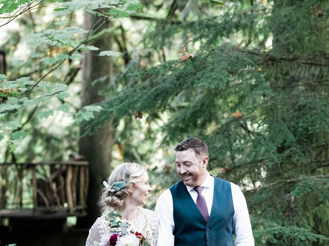 Alicia and Ryan's Wedding in Issaquah, Washington 17