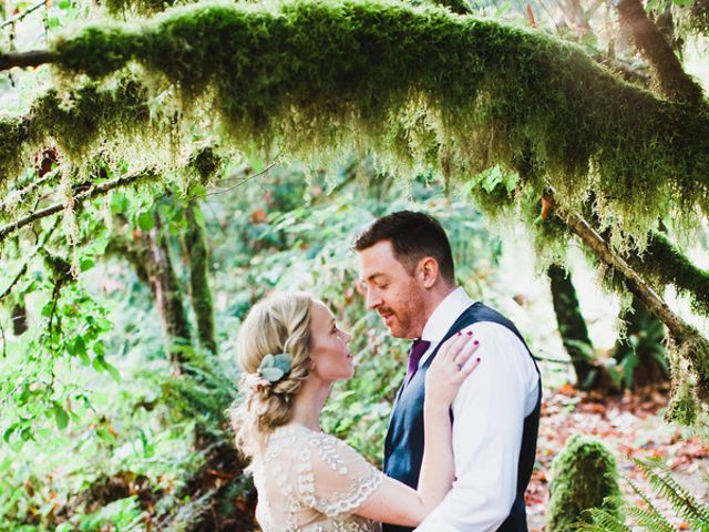 Alicia and Ryan's Wedding in Issaquah, Washington 19