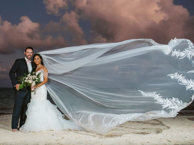 Stephen and Michelle's Wedding in Cancun, Mexico 25