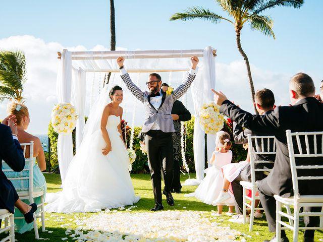 Ina and Luca's wedding in Hawaii 11