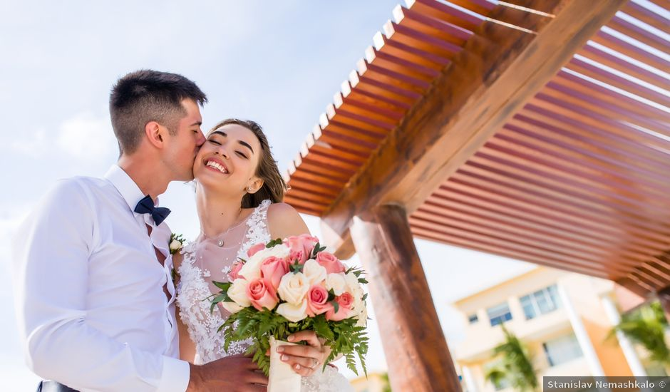 Andrey and Tetyana's Wedding in Cancun, Mexico