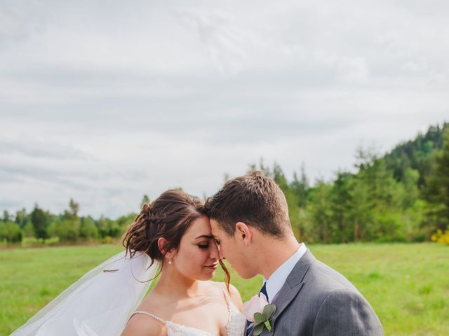 Erik and Hannah's Wedding in Ravensdale, Washington 10