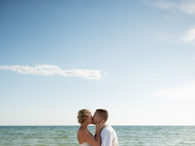 Cody and Kasi's Wedding in Saint Petersburg, Florida 9
