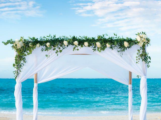 Jonathan and Natasha's Wedding in Grace Bay, Turks and Caicos 15