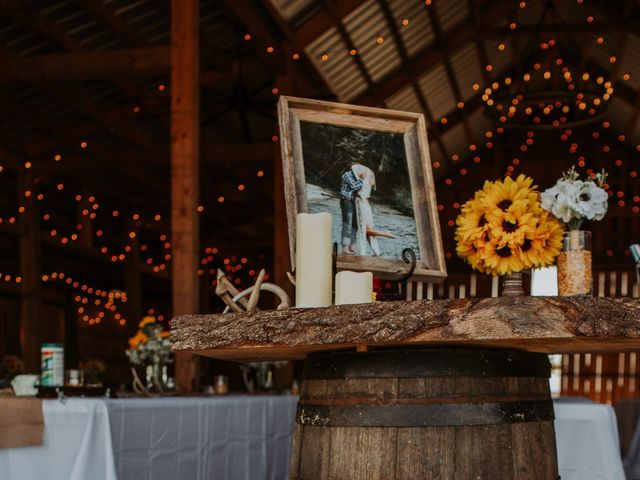 Reed and Leean's Wedding in Thrall, Texas 3