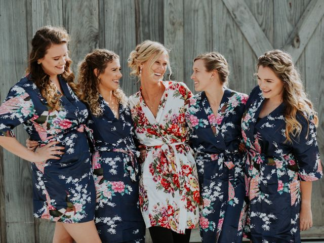 Reed and Leean's Wedding in Thrall, Texas 4