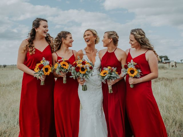 Reed and Leean's Wedding in Thrall, Texas 8
