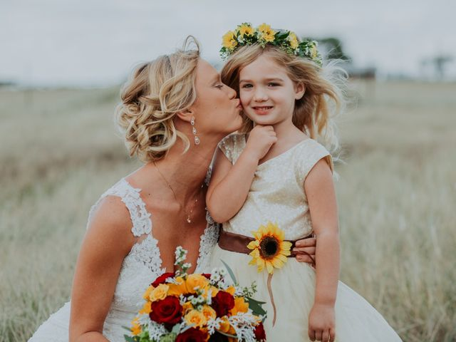 Reed and Leean's Wedding in Thrall, Texas 10
