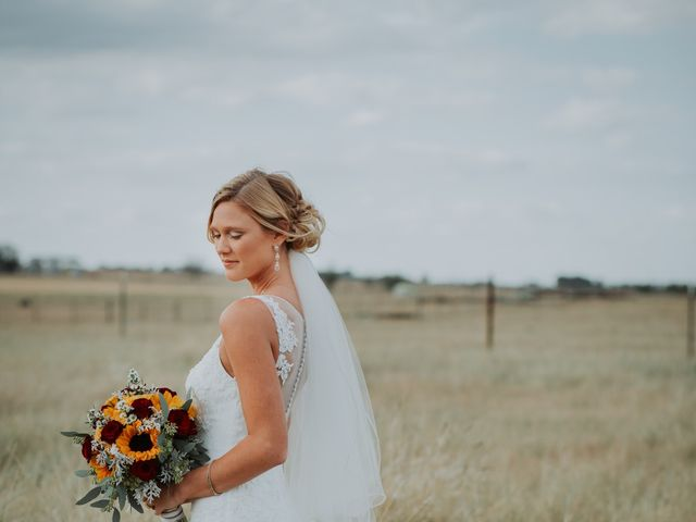 Reed and Leean's Wedding in Thrall, Texas 12