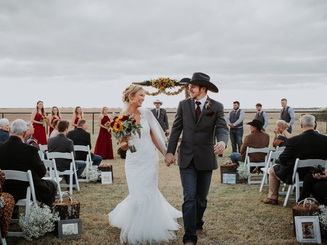 Reed and Leean's Wedding in Thrall, Texas 17