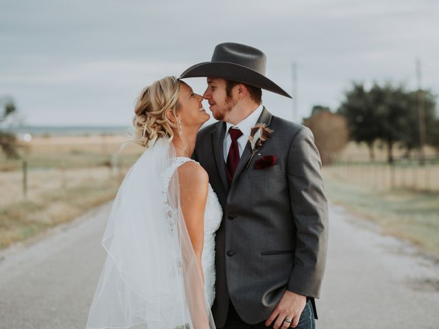 Reed and Leean's Wedding in Thrall, Texas 20