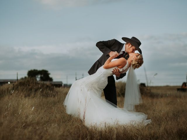 Reed and Leean's Wedding in Thrall, Texas 21