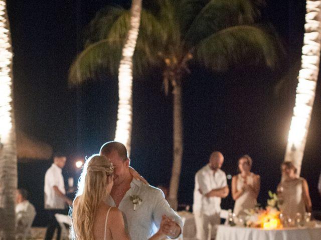Rachael and Bryan's Wedding in Oranjestad, Aruba 17