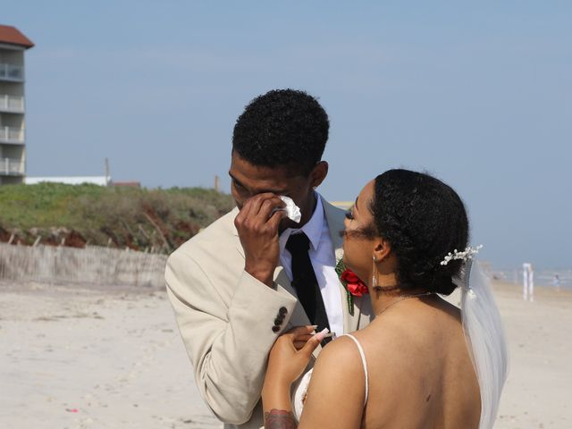 Jaylen Gentry and Chelsea Gentry's Wedding in Topsail Beach, North Carolina 3