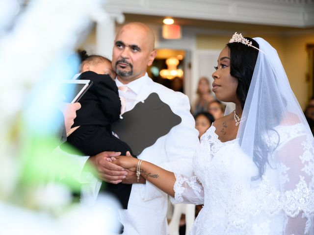 Ceolices and Myesha's Wedding in Warren, Michigan 14