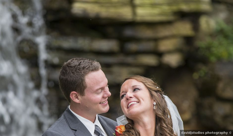 Jill and John's Wedding in Saint Louis, Missouri