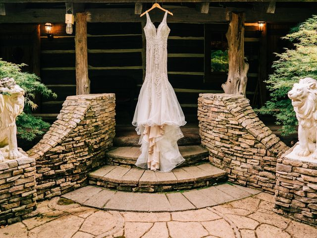 Scott and Nicole's Wedding in Knoxville, Tennessee 4