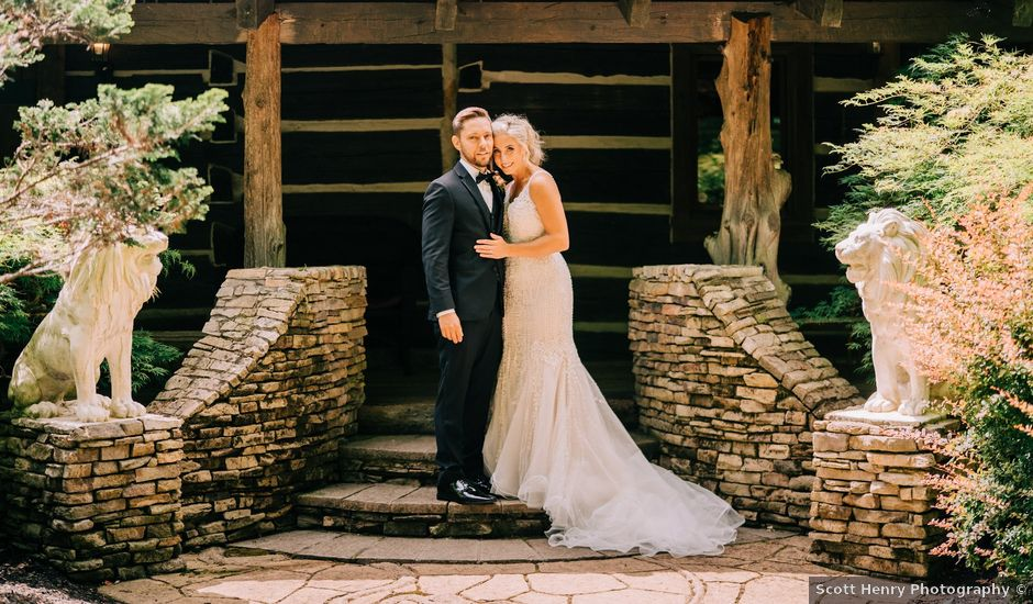 Scott and Nicole's Wedding in Knoxville, Tennessee