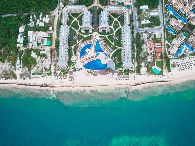 Liz and Roosvel's Wedding in Cancun, Mexico 1