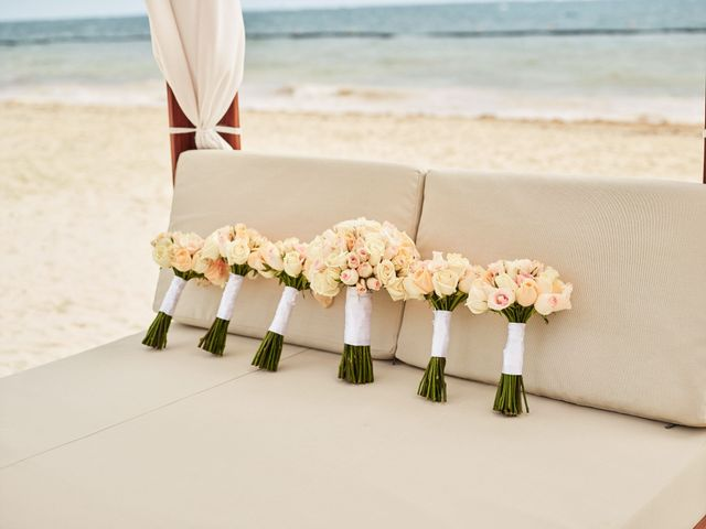 Liz and Roosvel's Wedding in Cancun, Mexico 11