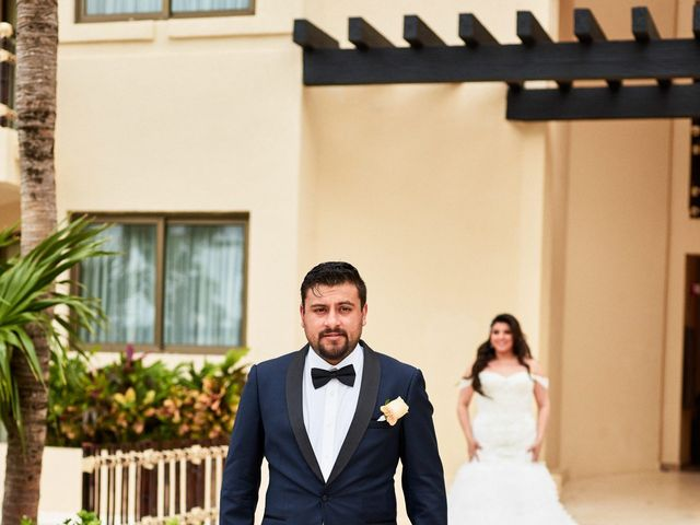Liz and Roosvel's Wedding in Cancun, Mexico 26