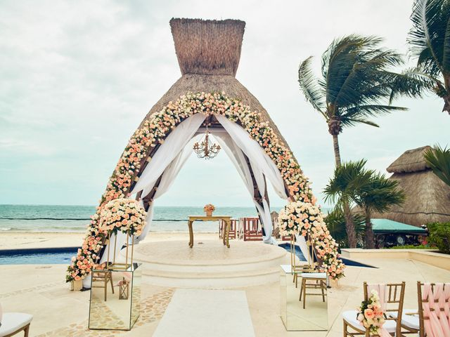 Liz and Roosvel's Wedding in Cancun, Mexico 35
