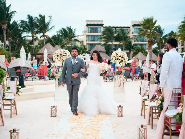 Liz and Roosvel's Wedding in Cancun, Mexico 43
