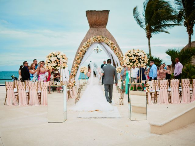 Liz and Roosvel's Wedding in Cancun, Mexico 44