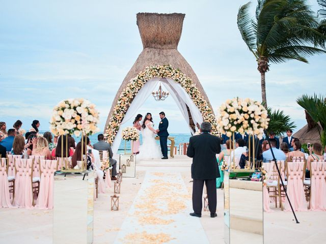 Liz and Roosvel's Wedding in Cancun, Mexico 45