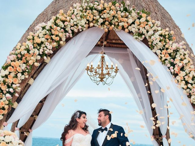 Liz and Roosvel's Wedding in Cancun, Mexico 54